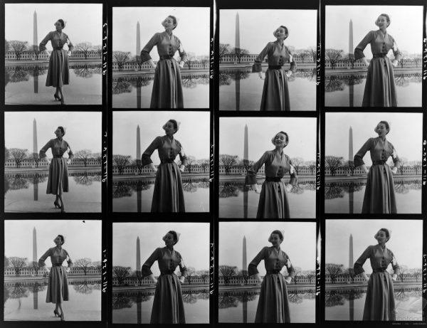 """""""Fashion Model near Tidal Basin"""" de Toni Frissel"""