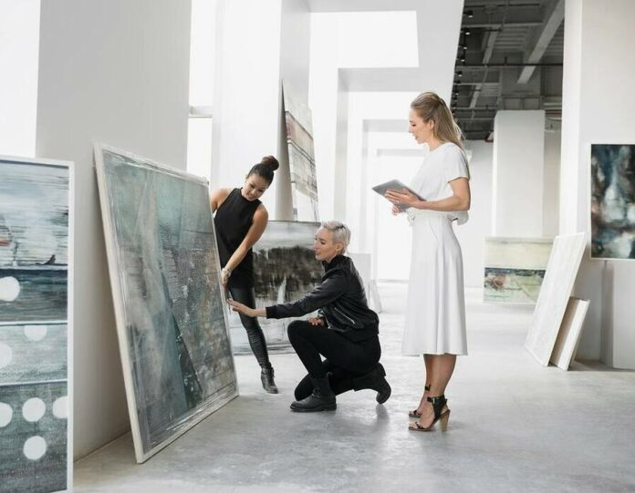 Funcionários da galeria