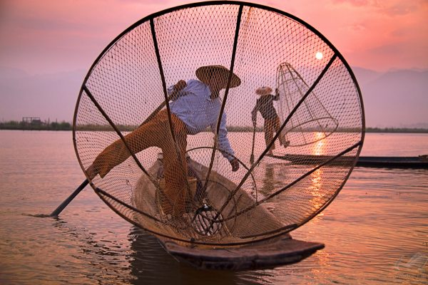 Fisherman in Lake - Andreas Kunz