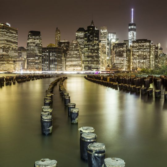 Os Reflexos de Manhattan - Alê Rodrigues