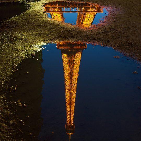 Reflexo da Torre Eiffel - Luc Viatour