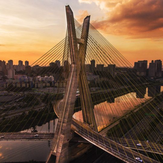 Ponte estaiada III - Michel Moretti