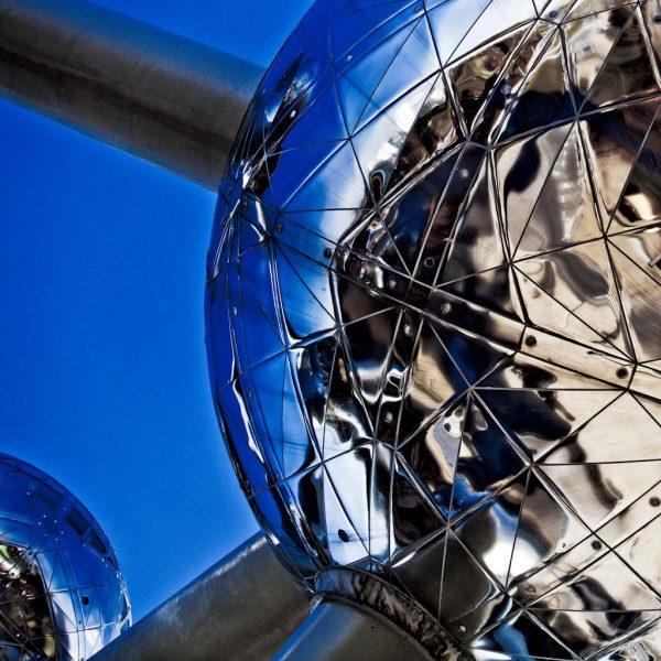 Esfera Metálica I - Lee Daniels