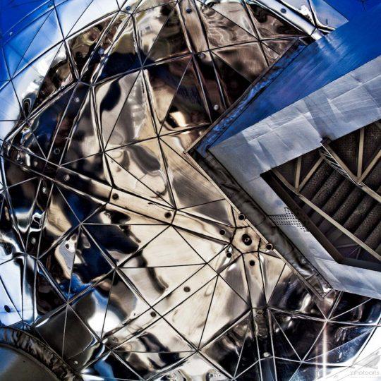 Esfera Metálica II - Lee Daniels