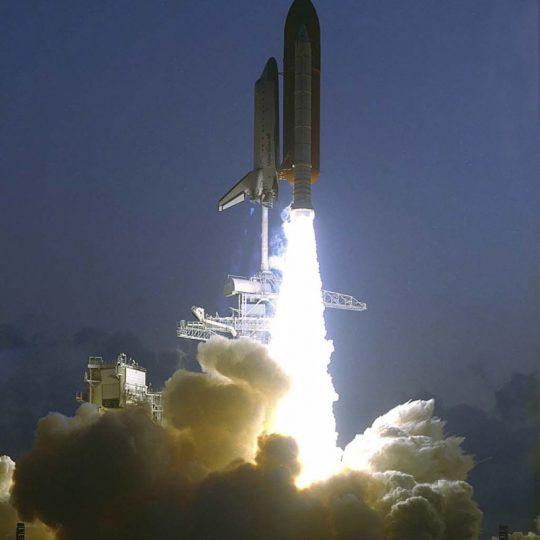 Lançamento STS-49